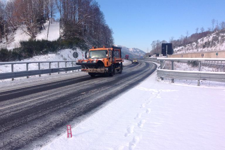 Mezzo spalaneve A2 Autostrada del Mediterraneo tratto calabro-lucano 10 gennaio 2017