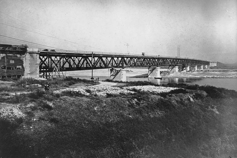Ricostruzione post bellica, Strada statale 9 'Via Emilia', ponte sul fiume Po ricostruito dopo il 1945