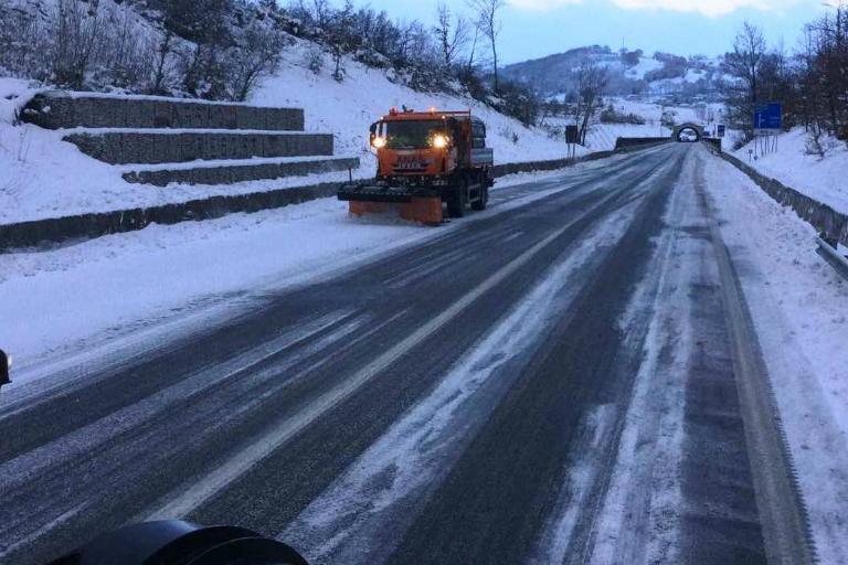 Campania, spazzaneve Anas sulla strada statale 691 'Fondo Valle Sele' - 6 gennaio 2017