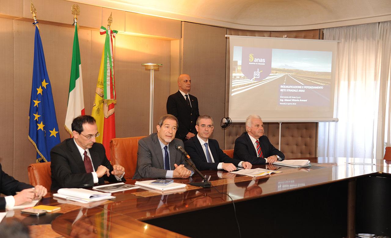 Foto 1 - Sicilia: il Presidente della Regione incontra i vertici di Anas
