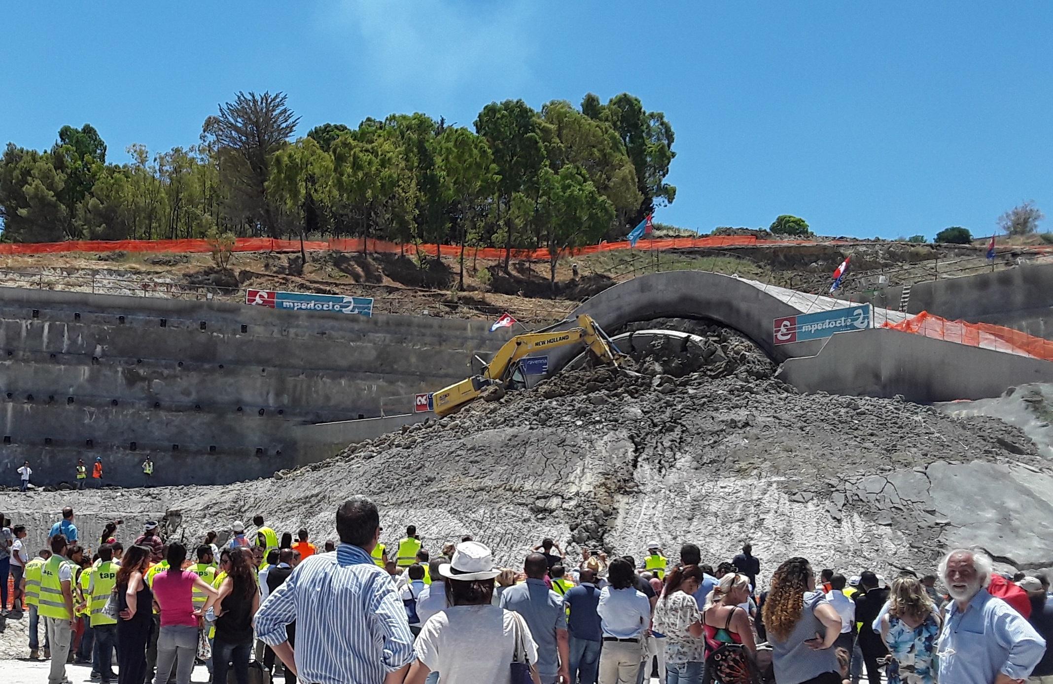 SS640 scavo galleria Caltanissetta