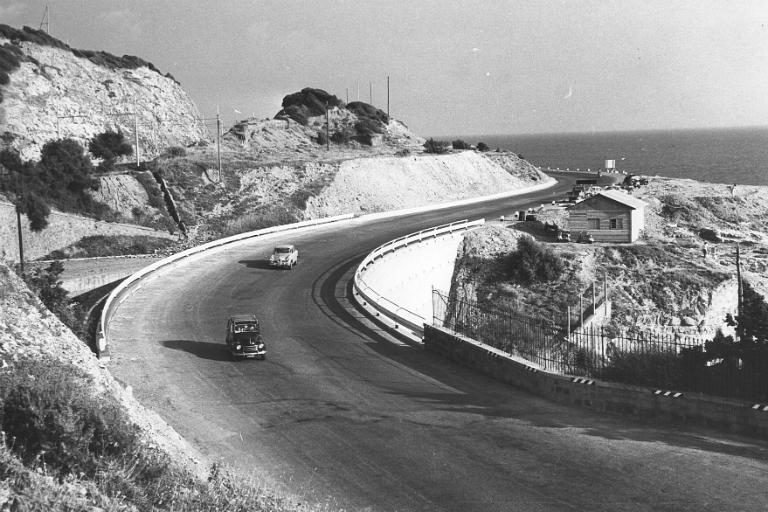 Toscana strada statale 1 'Via Aurelia' tratto Cecina-Livorno presso Castel Boccale 1959.jpg