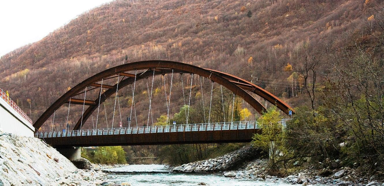 Immagine della SS42 - ponte che attraversa un fiume