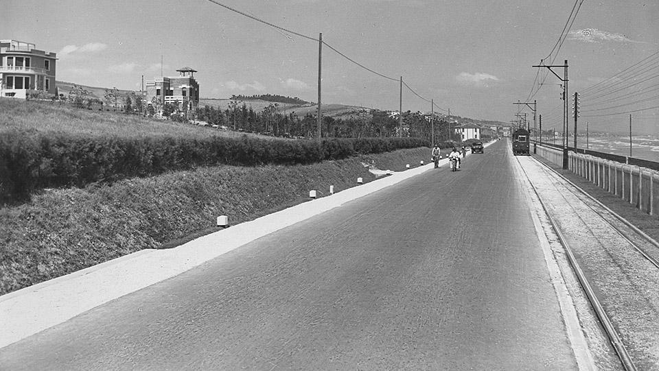 Immagine d'epoca della strada statale 16 Adriatica presso Ancona