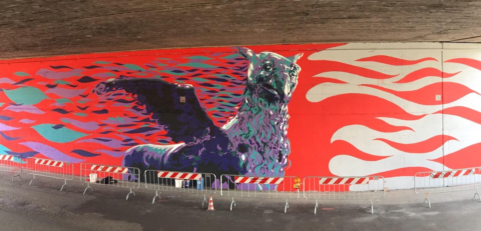 Immagine di un murales lungo la E45