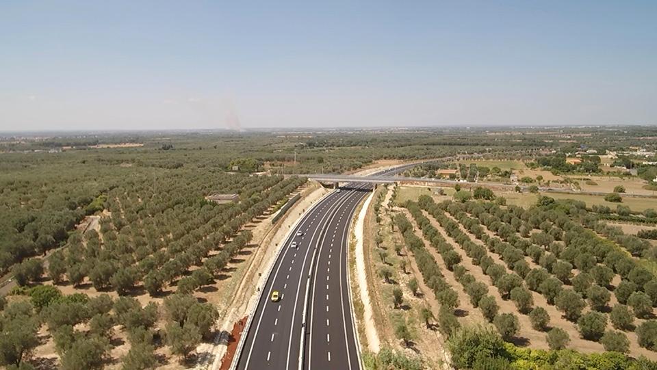 Immagine aerea della strada statale 16 Adriatica, tratto Maglie-Otranto
