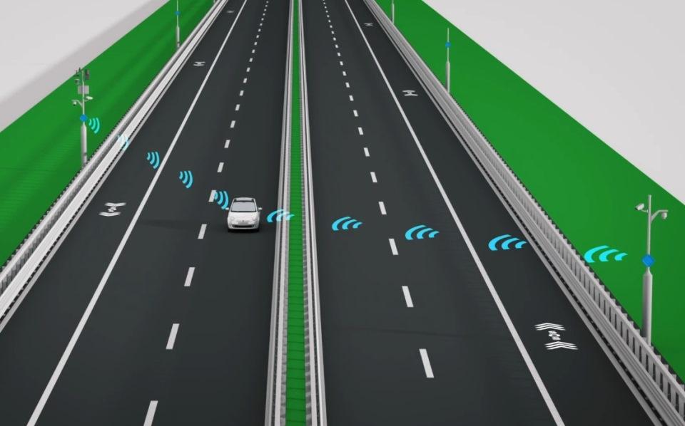 Immagine raffigurante un' automobile connessa con Anas