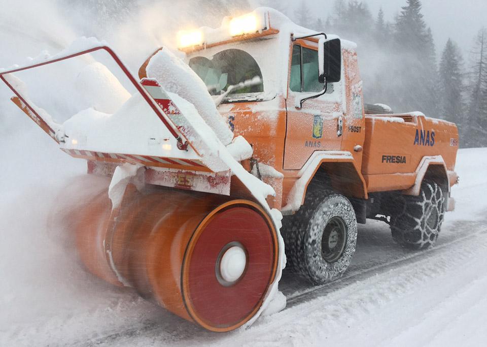Immagine di  una turbina da neve Anas in azione