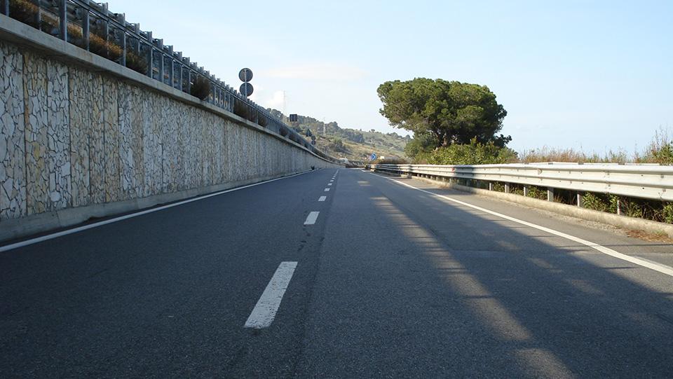Immagine della strada statale 106 Jonica, tratto calabrese