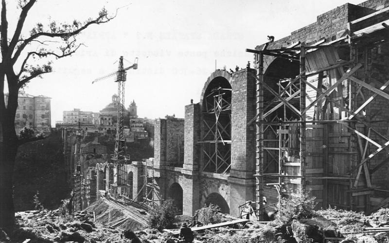 Immagine della strada statale 7 'Via Appia', ricostruzione del ponte di Ariccia dopo la Seconda Guerra Mondiale