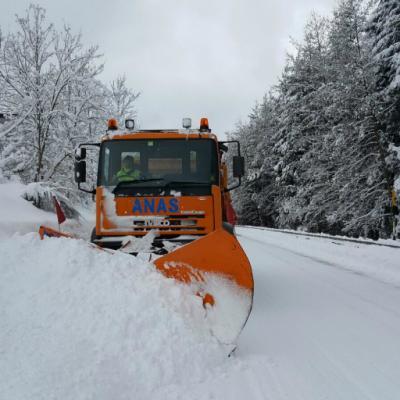 Calabria, spazzaneve Anas sulla strada statale 179 dir - 18 gennaio 2017