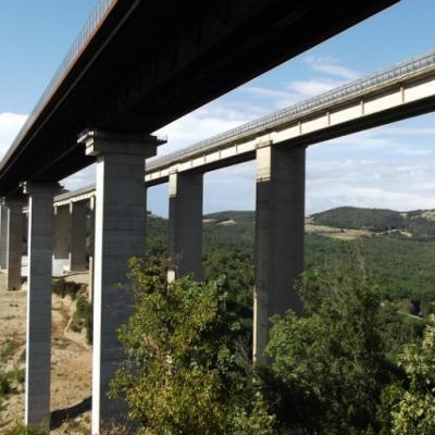 E78 Grosseto-Siena - maxi lotto - nuovo viadotto Farma e sulla destra il vecchio viadotto che sarà demolito