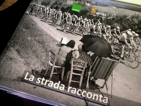 Foto 1 - Milano - Presentazione Mostra Mi ricordo la strada e volume ANSA La strada racconta