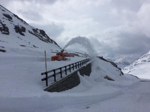 Mezzi neve al Passo Spluga