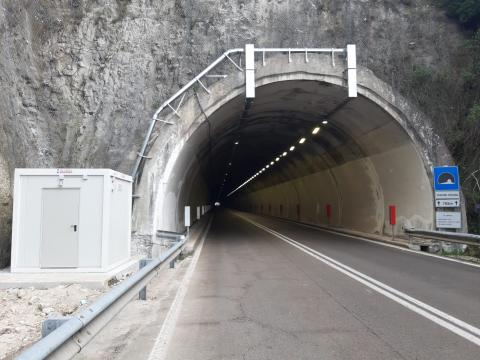 SS693 imbocco galleria Monte Nicola