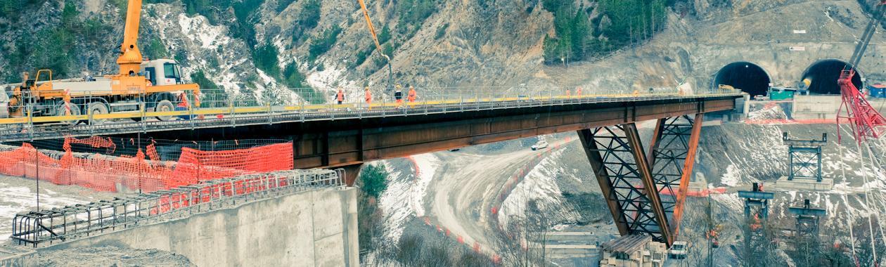 Immagine di lavori in corso su un viadotto Anas